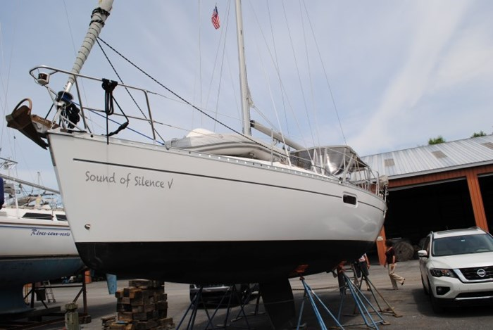 1998 Beneteau Oceanis Photo 3 of 34
