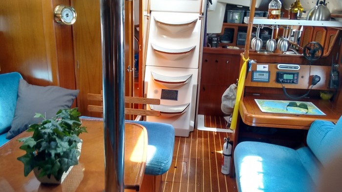 1998 Beneteau Oceanis Photo 28 of 34