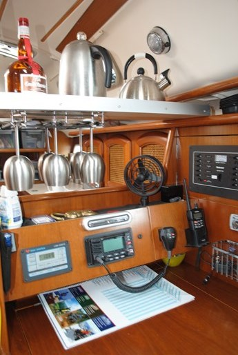 1998 Beneteau Oceanis Photo 20 of 34