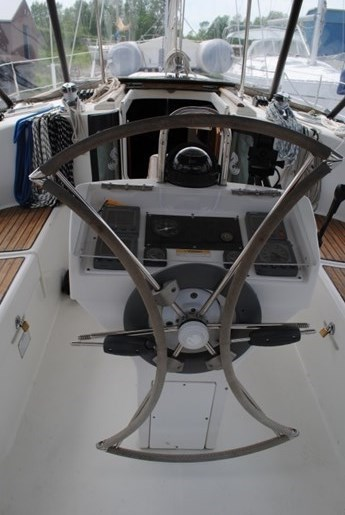 1998 Beneteau Oceanis Photo 12 of 34