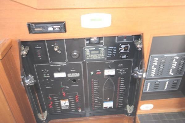 1996 Bayliner 3388 Command Bridge Motoryacht Photo 36 of 49