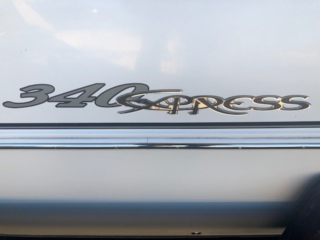 2006 Cruisers Yachts 340 Express Photo 4 sur 36