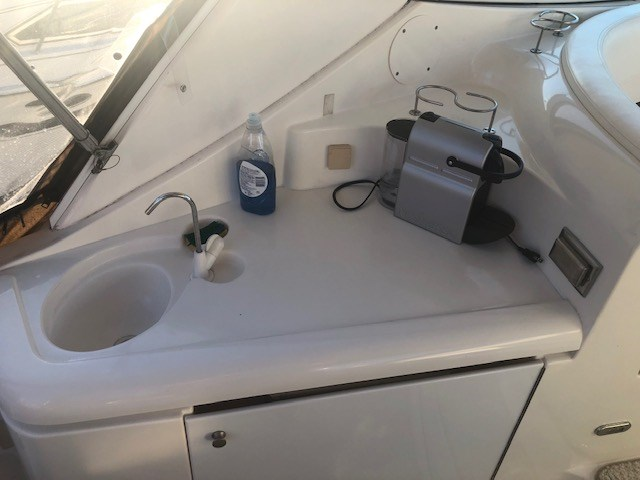 2006 Cruisers Yachts 340 Express Photo 8 sur 36