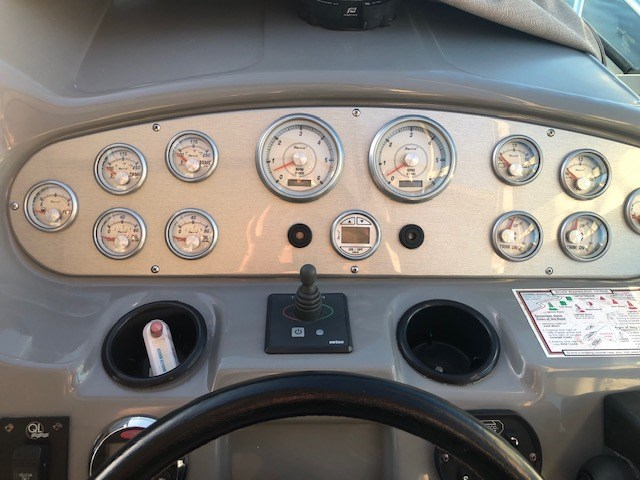 2006 Cruisers Yachts 340 Express Photo 12 sur 36