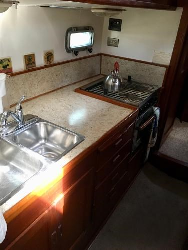 1983 Maple Leaf 42 Center Cockpit Photo 24 of 37