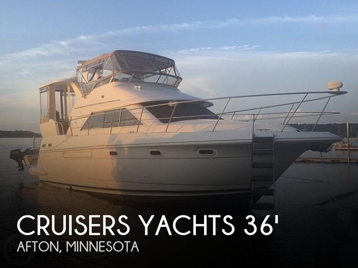 2001 Cruisers Yachts 3750 Motor Yacht Photo 1 sur 20