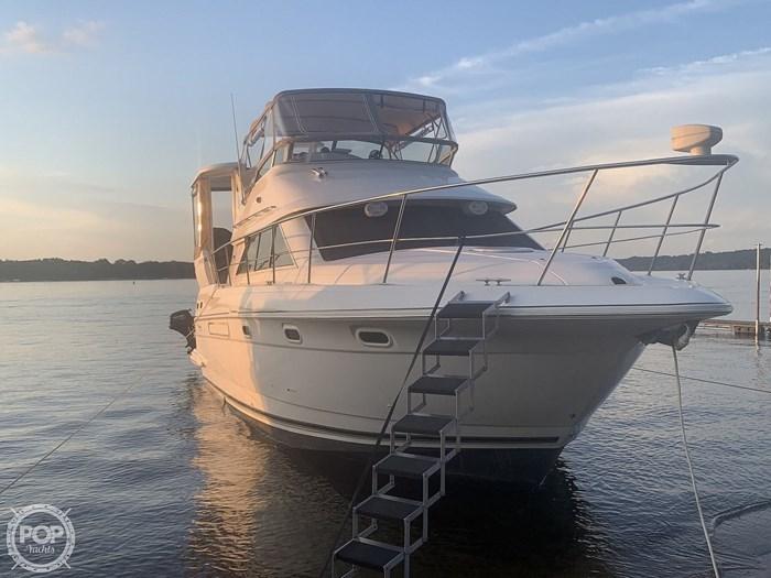 2001 Cruisers Yachts 3750 Motor Yacht Photo 4 sur 20