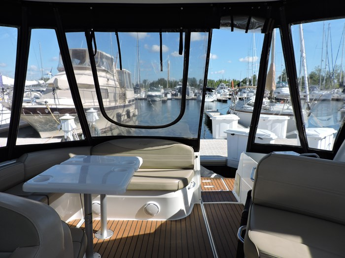 2011 Cruisers Yachts 330 Express Photo 55 of 64