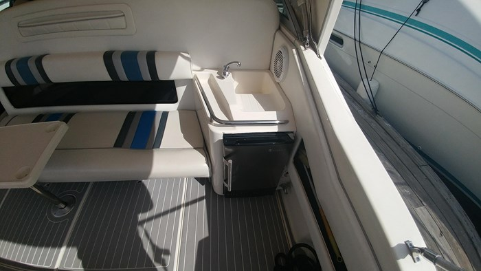1991 Sea Ray Sundancer 350 Photo 10 of 25