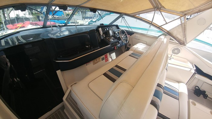 1991 Sea Ray Sundancer 350 Photo 13 of 25