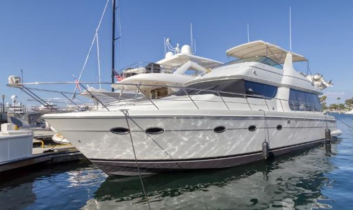 570 Voyager Pilothouse
