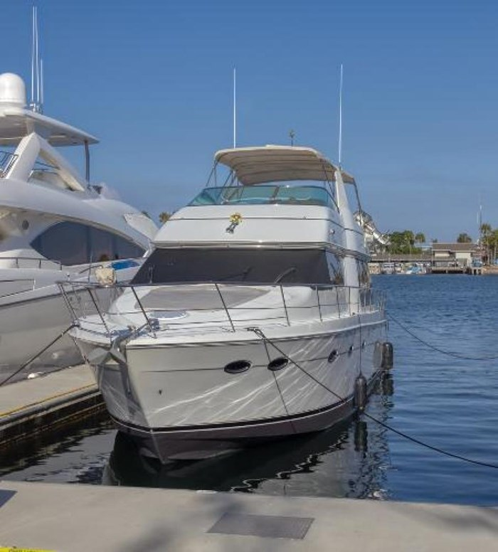 2003 Carver 570 Voyager Pilothouse Photo 2 of 40