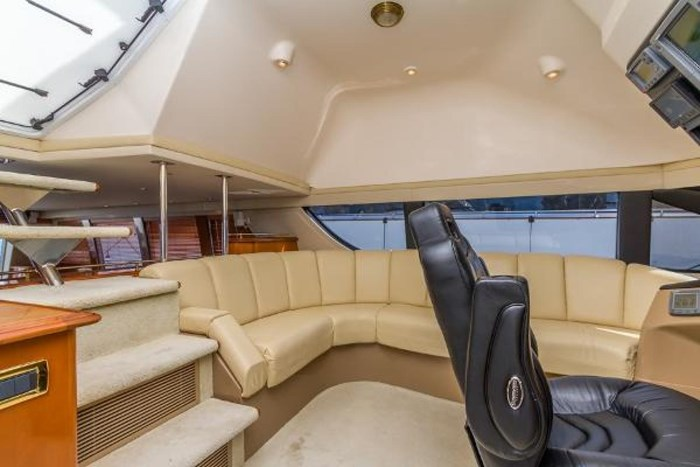 2003 Carver 570 Voyager Pilothouse Photo 5 of 40
