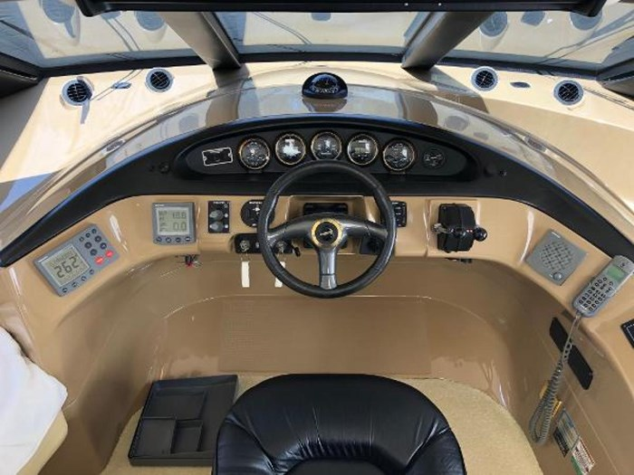 2003 Carver 570 Voyager Pilothouse Photo 6 of 40