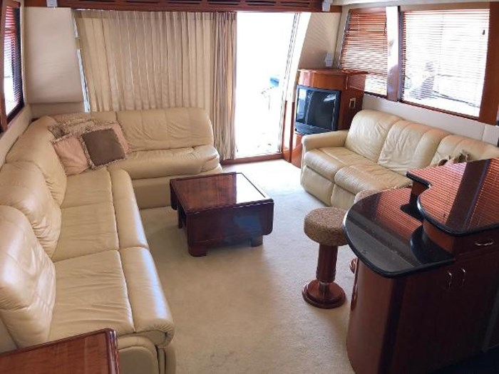 2003 Carver 570 Voyager Pilothouse Photo 11 of 40