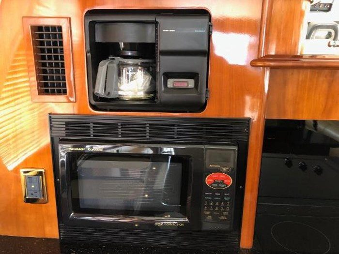2003 Carver 570 Voyager Pilothouse Photo 15 of 40