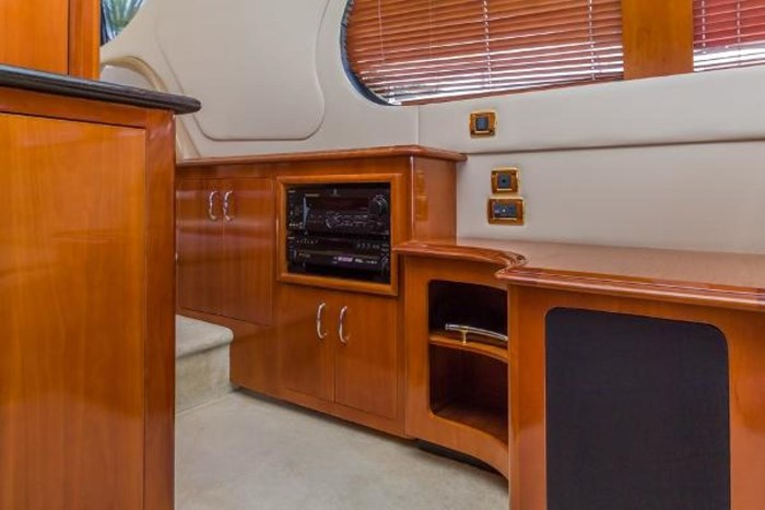 2003 Carver 570 Voyager Pilothouse Photo 19 of 40