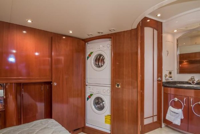 2003 Carver 570 Voyager Pilothouse Photo 24 of 40