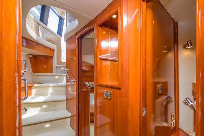 2003 Carver 570 Voyager Pilothouse Photo 31 of 40