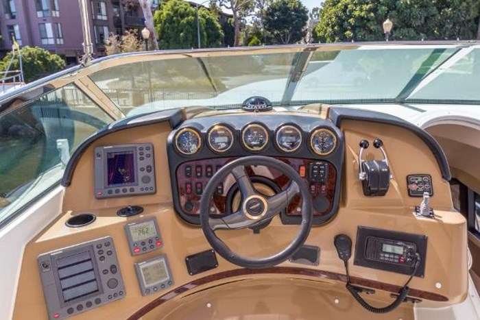 2003 Carver 570 Voyager Pilothouse Photo 33 of 40