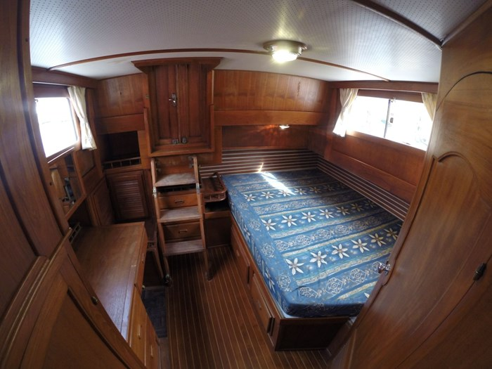 1982 Northern Chian Hwa Tri-Cabin Trawler Photo 36 of 66