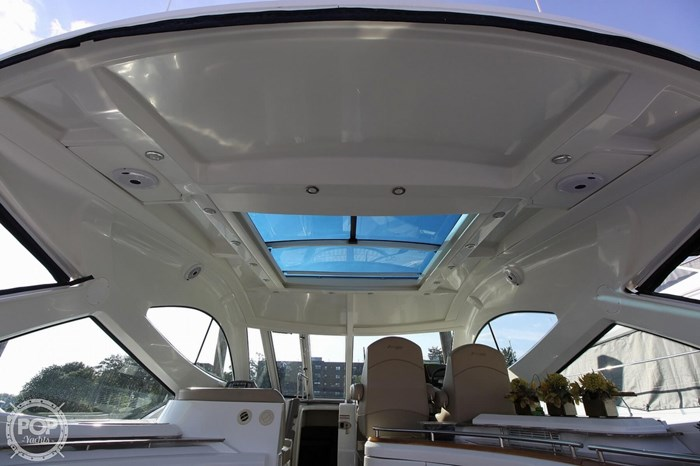 2009 Cruisers Yachts 520 Sports Coupe Photo 4 sur 20