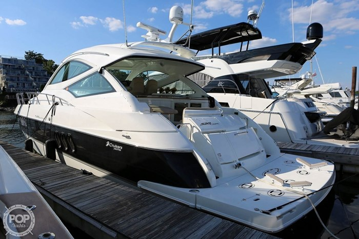 2009 Cruisers Yachts 520 Sports Coupe Photo 16 sur 20