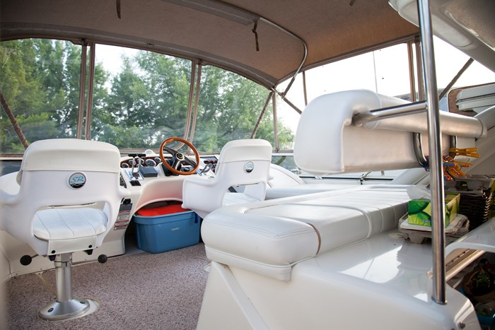 1998 Sea Ray 370 AFT CABIN Photo 7 of 18