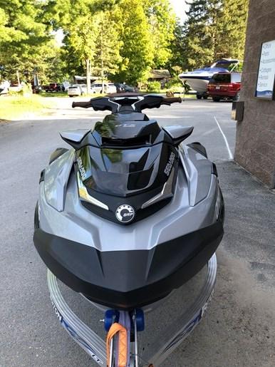 2018 Sea-Doo GTX 300 LIMITED Photo 6 of 6