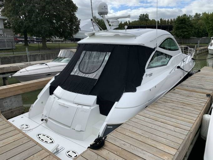 2012 CRUISERS YACHTS 540 SPORT COUPE Photo 2 sur 110