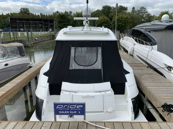 2012 CRUISERS YACHTS 540 SPORT COUPE Photo 3 sur 110