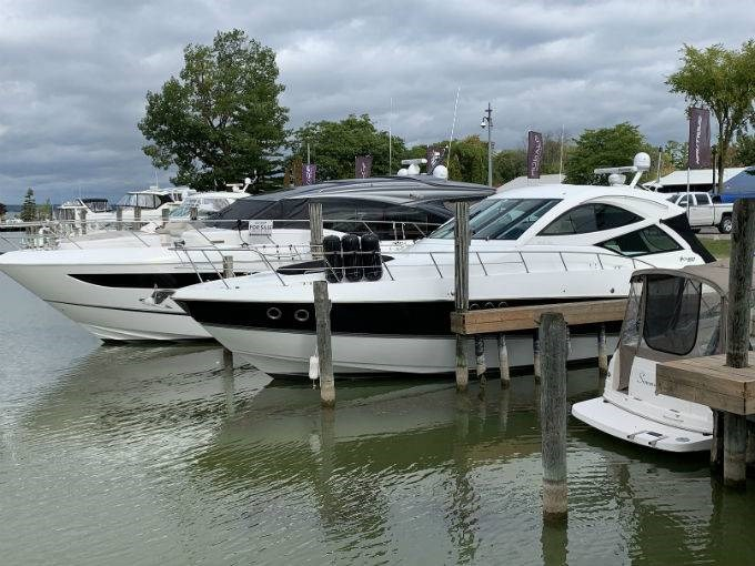 2012 CRUISERS YACHTS 540 SPORT COUPE Photo 5 sur 110