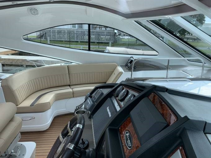 2012 CRUISERS YACHTS 540 SPORT COUPE Photo 13 sur 110