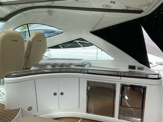 2012 CRUISERS YACHTS 540 SPORT COUPE Photo 18 sur 110