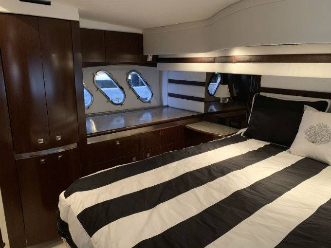 2012 CRUISERS YACHTS 540 SPORT COUPE Photo 36 sur 110