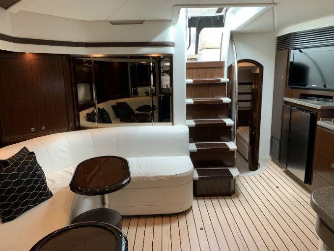 2012 CRUISERS YACHTS 540 SPORT COUPE Photo 44 sur 110