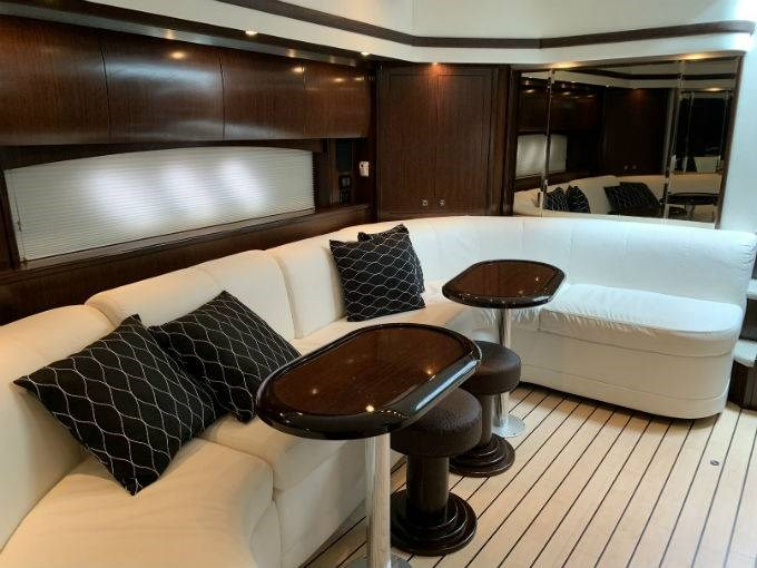 2012 CRUISERS YACHTS 540 SPORT COUPE Photo 45 sur 110