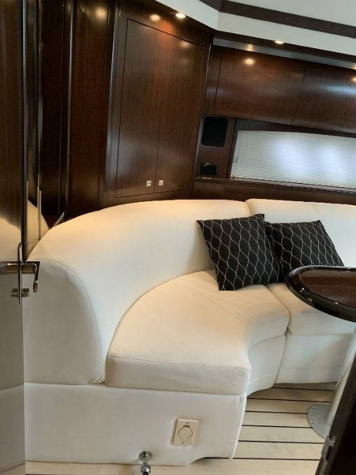 2012 CRUISERS YACHTS 540 SPORT COUPE Photo 46 sur 110