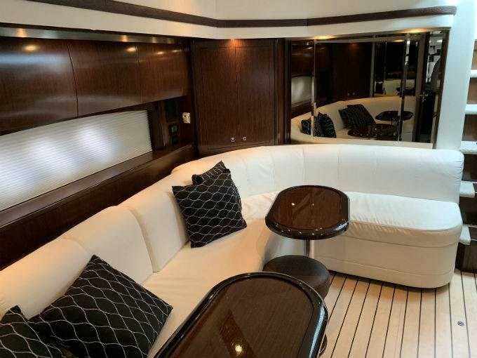 2012 CRUISERS YACHTS 540 SPORT COUPE Photo 52 sur 110