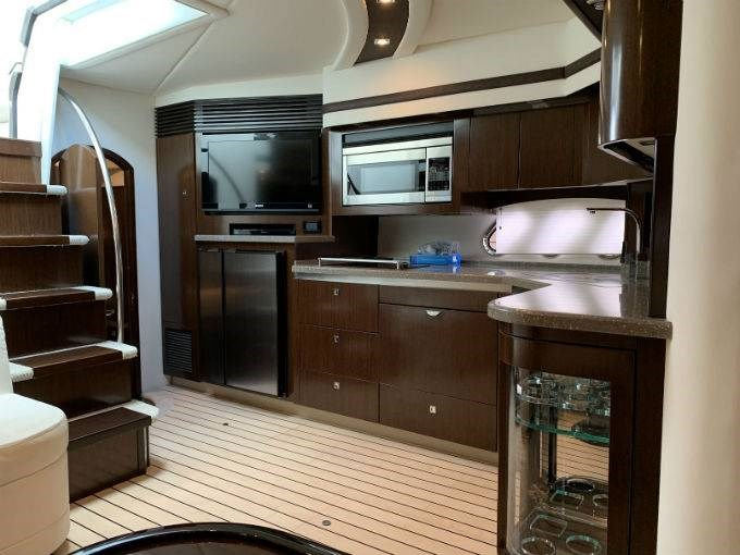 2012 CRUISERS YACHTS 540 SPORT COUPE Photo 53 sur 110