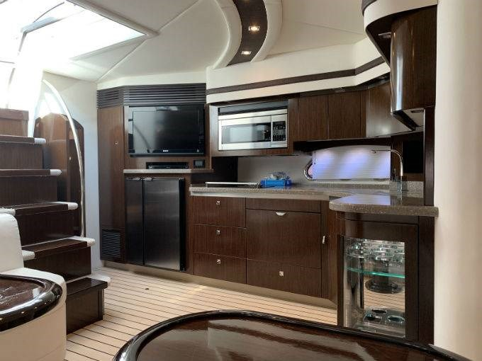 2012 CRUISERS YACHTS 540 SPORT COUPE Photo 84 sur 110
