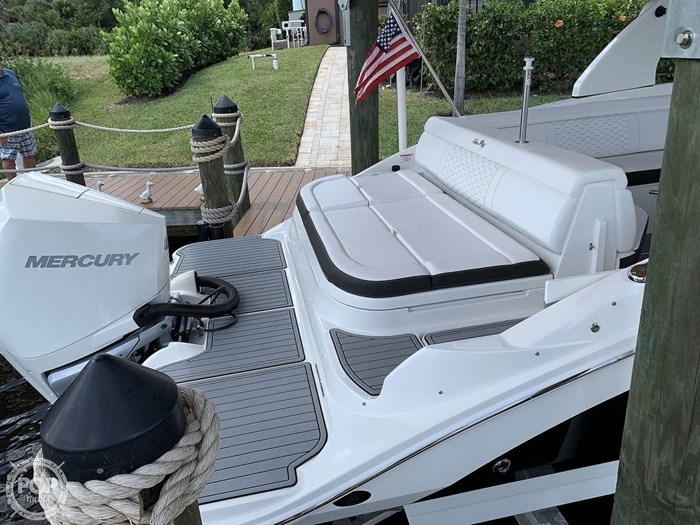 2019 Sea Ray SDX 270 SD OB Photo 10 of 20