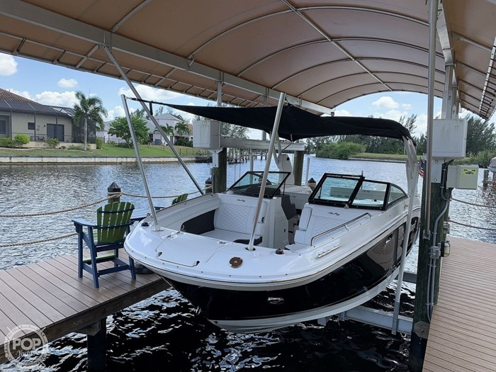 2019 Sea Ray SDX 270 SD OB Photo 13 of 20