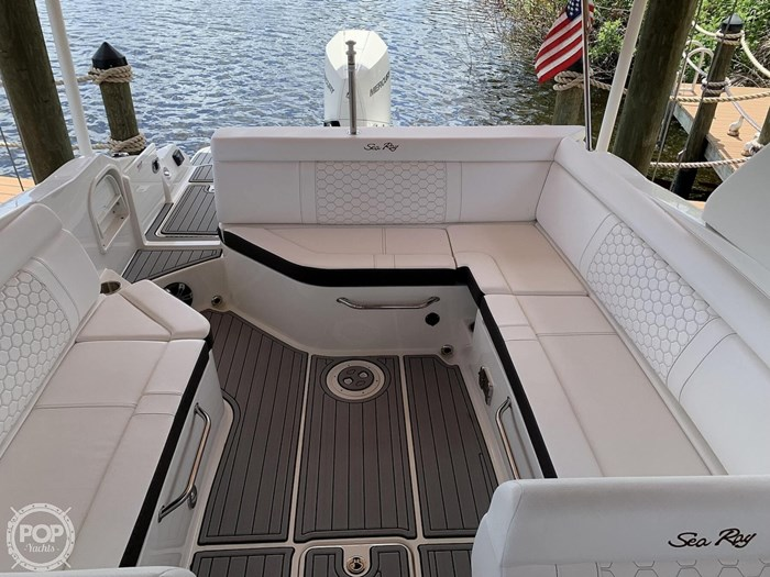 2019 Sea Ray SDX 270 SD OB Photo 7 of 20