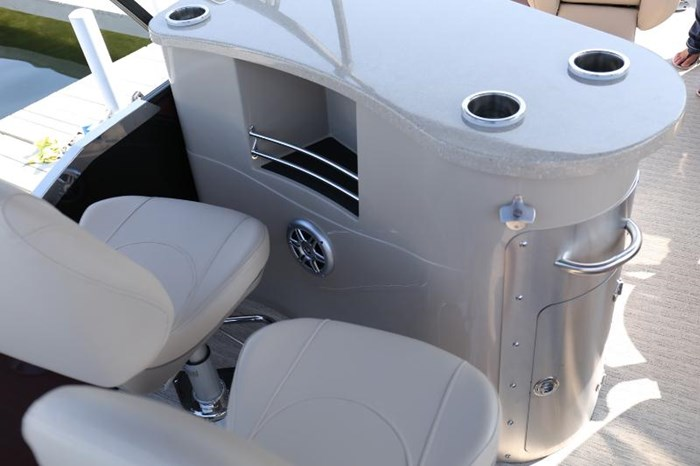 2019 SOUTH BAY PONTOONS 525RS 3.0+ Photo 11 of 13