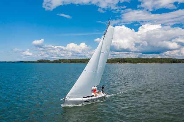 2020 Beneteau Oceanis 30.1 Photo 2 sur 50