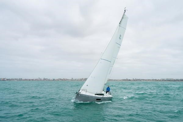 2020 Beneteau Oceanis 30.1 Photo 10 sur 50