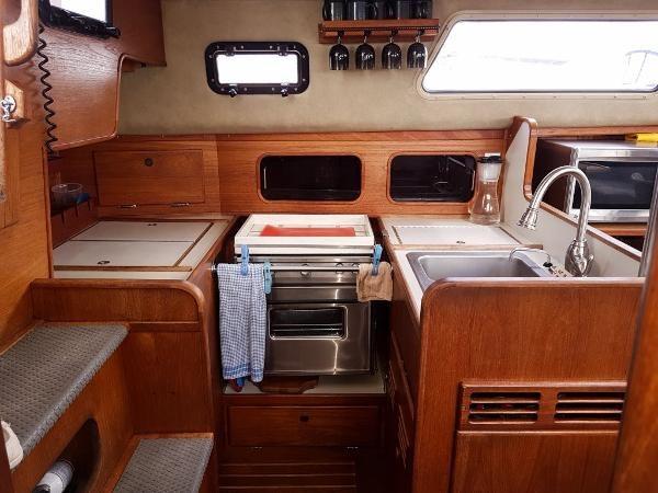 1982 Sceptre 41 Pilothouse Sloop Photo 31 of 59