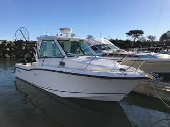 2017 boston whaler 285 conquest pilothouse Photo 3 of 19