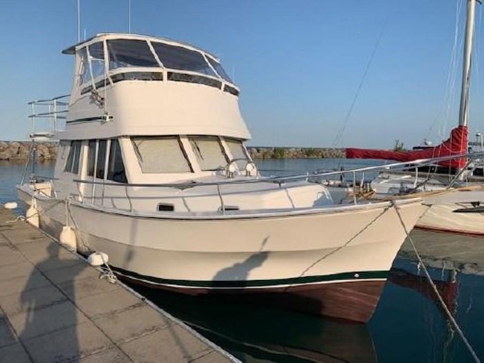 2000 Mainship 390 Trawler Photo 1 of 63
